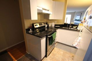 """Photo 13: 404 509 CARNARVON Street in New Westminster: Downtown NW Condo for sale in """"HILLSIDE PLACE"""" : MLS®# R2226244"""