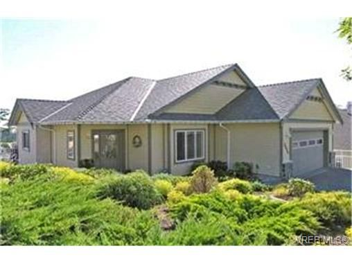 Main Photo:  in VICTORIA: La Walfred House for sale (Langford)  : MLS®# 413431