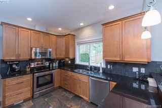 Photo 8: 630 Granrose Terr in VICTORIA: Co Latoria House for sale (Colwood)  : MLS®# 783845