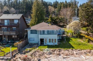 Main Photo: 5684 South Island Hwy in : CV Union Bay/Fanny Bay House for sale (Comox Valley)  : MLS®# 872778