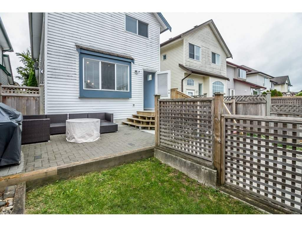 """Photo 20: Photos: 18479 66A Avenue in Surrey: Cloverdale BC House for sale in """"Heartland"""" (Cloverdale)  : MLS®# R2095726"""