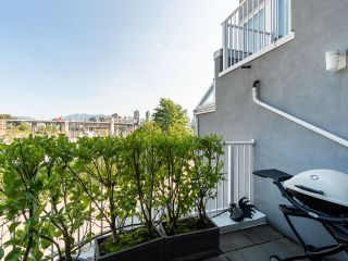 """Photo 19: 1594 ISLAND PARK Walk in Vancouver: False Creek Townhouse for sale in """"THE LAGOONS"""" (Vancouver West)  : MLS®# R2297532"""