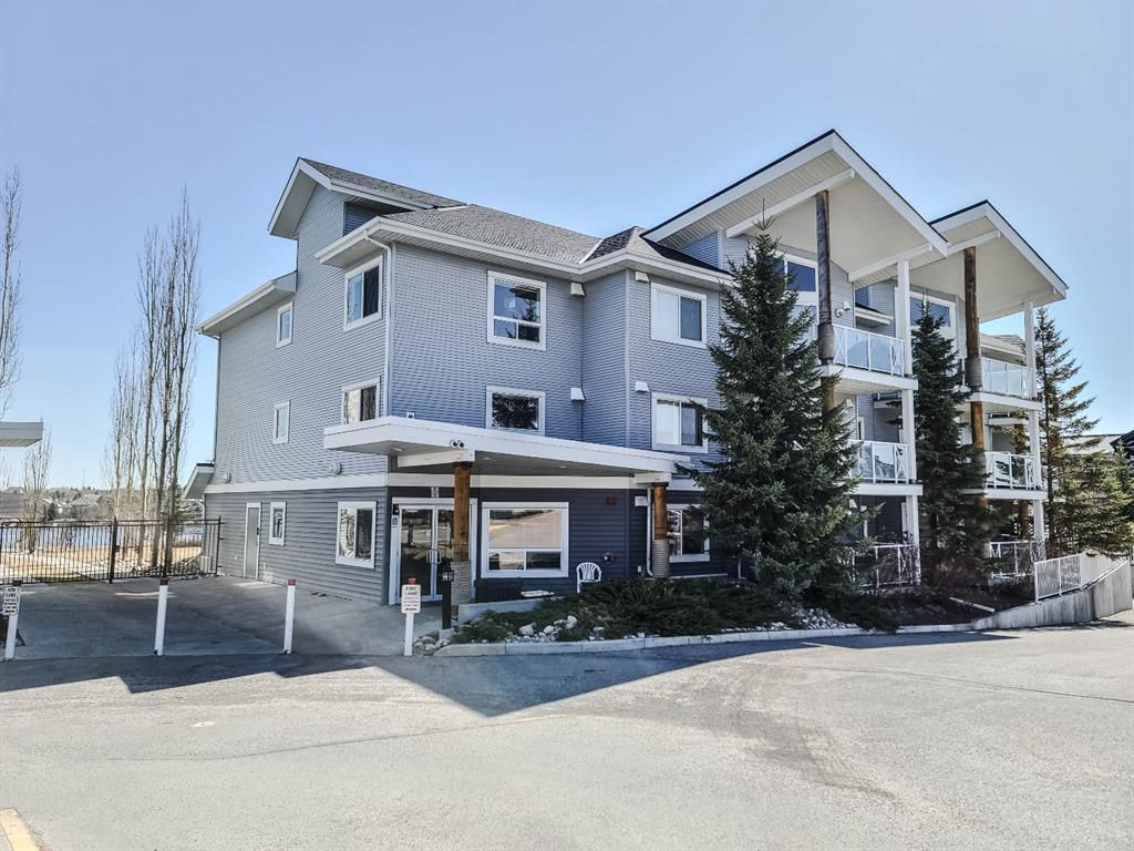 Main Photo: 106 380 Marina Drive: Chestermere Apartment for sale : MLS®# A1094258