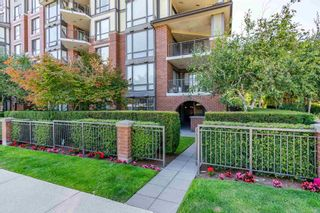 """Photo 4: 106 1551 FOSTER Street: White Rock Condo for sale in """"SUSSEX HOUSE"""" (South Surrey White Rock)  : MLS®# R2602662"""