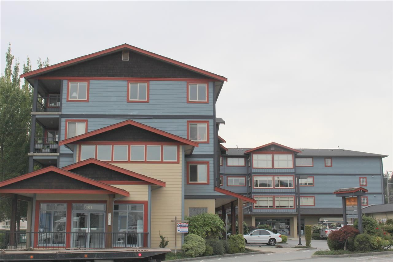 Main Photo: 306 5631 INLET Avenue in Sechelt: Sechelt District Condo for sale (Sunshine Coast)  : MLS®# R2489802