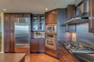 Photo 9: 402 5332 Sayward Hill Cres in : SE Cordova Bay Condo for sale (Saanich East)  : MLS®# 877023