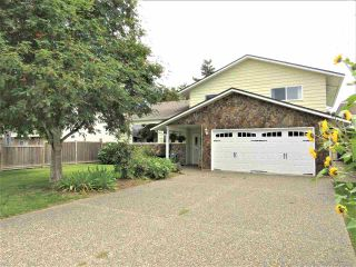 Photo 1: 6482 WILTSHIRE Street in Sardis: Sardis West Vedder Rd House for sale : MLS®# R2389613