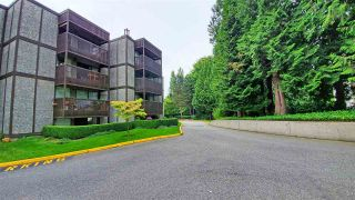 """Photo 2: 112 9672 134 Street in Surrey: Whalley Condo for sale in """"PARKWOODS"""" (North Surrey)  : MLS®# R2475001"""