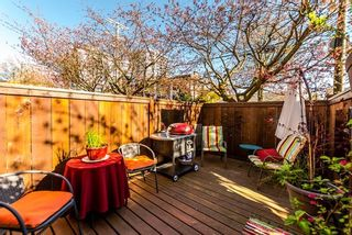 """Photo 3: 21 230 W 14TH Street in North Vancouver: Central Lonsdale Townhouse for sale in """"CUSTER PLACE"""" : MLS®# R2159000"""