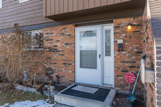 Photo 2: 49 287 Southampton Drive SW in Calgary: Southwood Row/Townhouse for sale : MLS®# A1059681