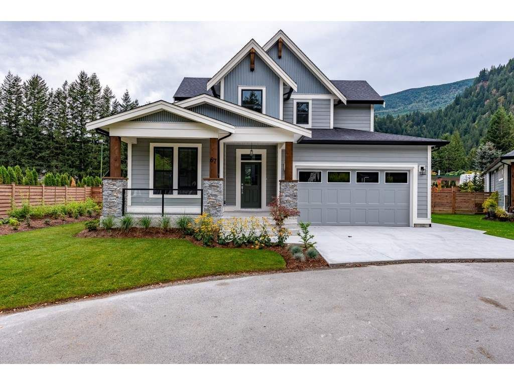 """Main Photo: 67 1885 COLUMBIA VALLEY Road in Cultus Lake: Lindell Beach House for sale in """"AQUADEL CROSSING"""" : MLS®# R2465993"""
