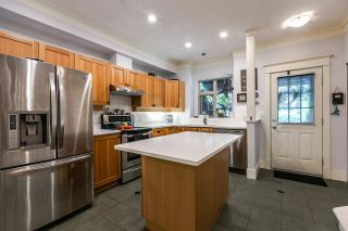 """Photo 3: 235 18 JACK MAHONY Place in New Westminster: GlenBrooke North Townhouse for sale in """"The Westerly"""" : MLS®# R2184317"""