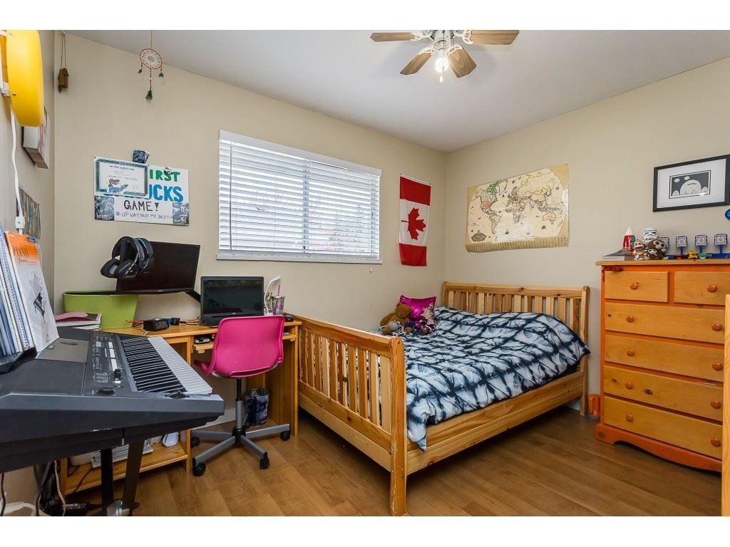 Photo 19: Photos: 35275 BELANGER Drive in Abbotsford: Abbotsford East House for sale : MLS®# R2558993