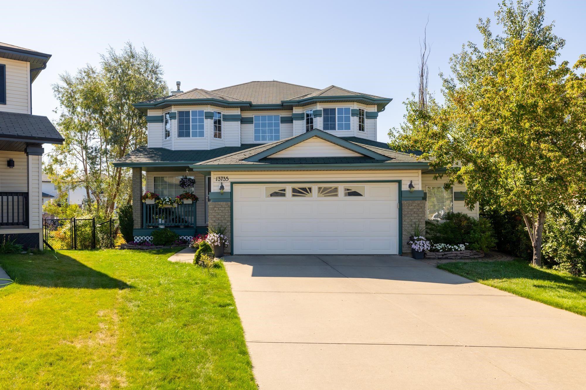 Main Photo: 13735 149 Avenue in Edmonton: Zone 27 House for sale : MLS®# E4261647
