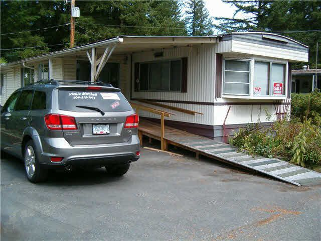 """Photo 2: Photos: 74 20071 24TH Avenue in Langley: Brookswood Langley Manufactured Home for sale in """"FERNRIDGE PARK"""" : MLS®# F1450529"""