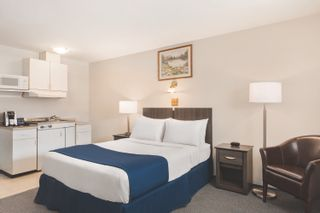 Photo 7: Travelodge For Sale in BC: Business with Property for sale