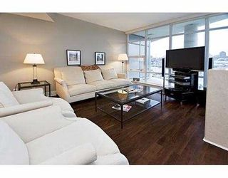 """Photo 2: 503 628 KINGHORNE MEWS BB in Vancouver: False Creek North Condo for sale in """"SILVER SEA"""" (Vancouver West)  : MLS®# V683660"""