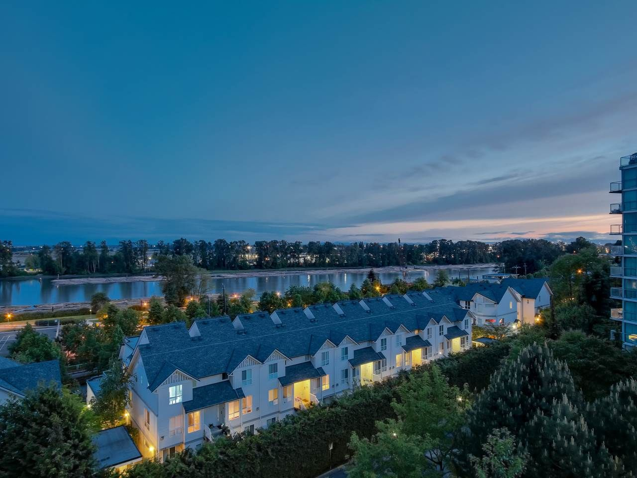 """Main Photo: 803 2763 CHANDLERY Place in Vancouver: Fraserview VE Condo for sale in """"RIVER DANCE"""" (Vancouver East)  : MLS®# R2067616"""