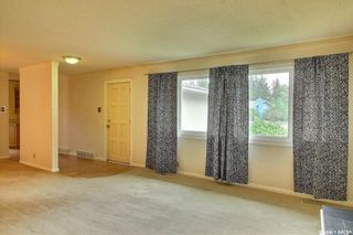 Photo 3: 2701 Steuart Avenue in Prince Albert: Crescent Heights Residential for sale : MLS®# SK867401