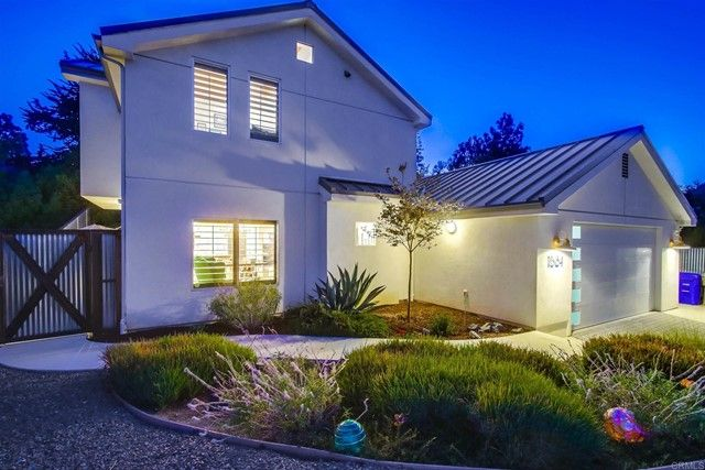 Main Photo: House for sale : 2 bedrooms : 1884 Lake Drive in Cardiff by the Sea