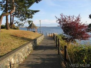 Photo 4: 201 873 Esquimalt Road in VICTORIA: Es Old Esquimalt Condo for sale (Esquimalt)  : MLS®# 512858