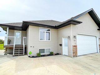 Photo 1: 12 Fairway Court in Meadow Lake: Residential for sale : MLS®# SK870953