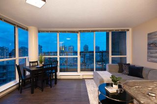 """Photo 10: 1905 1188 RICHARDS Street in Vancouver: Yaletown Condo for sale in """"PARK PLAZA"""" (Vancouver West)  : MLS®# R2508576"""