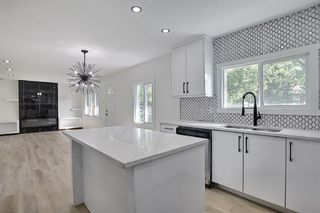 Photo 8: 2445 Elmwood Drive SE in Calgary: Southview Detached for sale : MLS®# A1119973