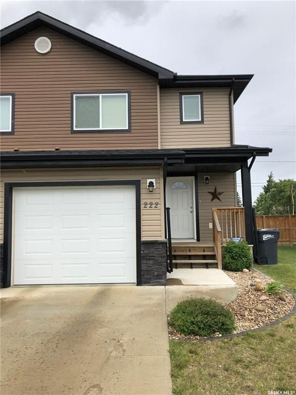 Main Photo: 222 15th Street in Battleford: Residential for sale : MLS®# SK869737