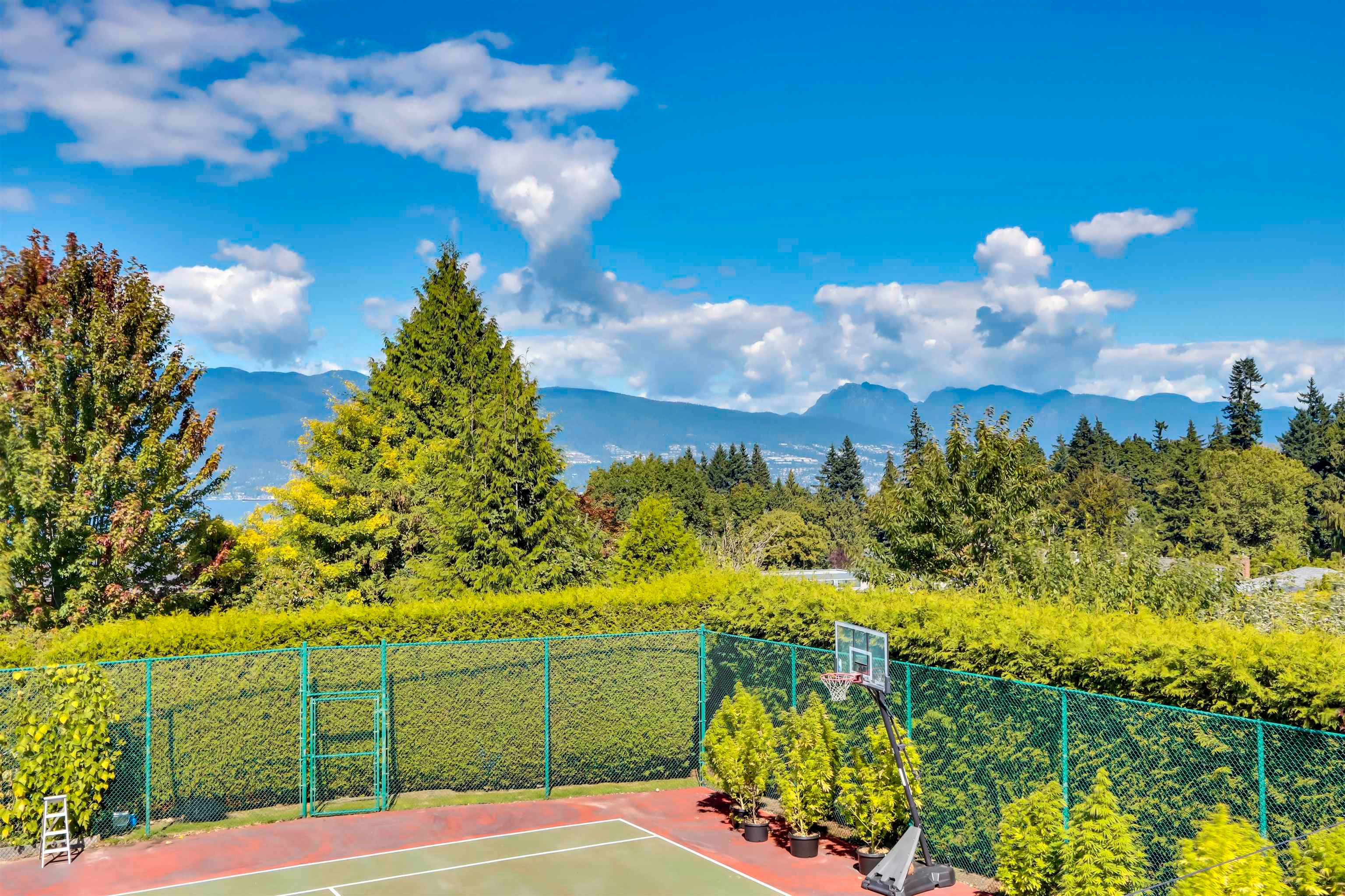 Main Photo: 5665 CHANCELLOR Boulevard in Vancouver: University VW House for sale (Vancouver West)  : MLS®# R2615477