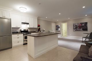 """Photo 19: 939 INGLEWOOD Avenue in West Vancouver: Sentinel Hill House for sale in """"Sentinel Hill"""" : MLS®# R2143743"""