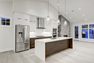 Photo 5: 5911 Lockinvar Road SW in Calgary: Lakeview Detached for sale : MLS®# A1048910