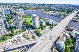 "Photo 8: 5203 1480 HOWE Street in Vancouver: Yaletown Condo for sale in ""VANCOUVER HOUSE"" (Vancouver West)  : MLS®# R2528347"