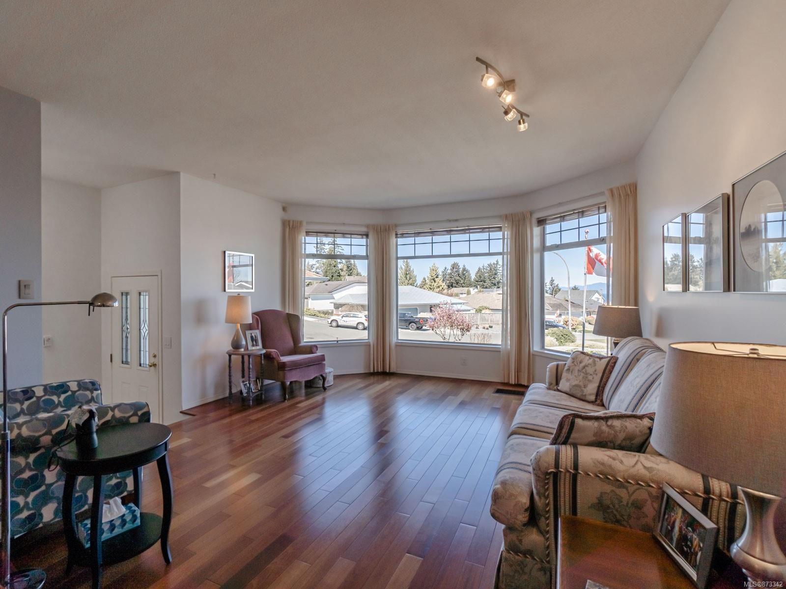 Photo 22: Photos: 5294 Catalina Dr in : Na North Nanaimo House for sale (Nanaimo)  : MLS®# 873342