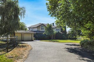 Photo 4: 3473 Dove Creek Rd in : CV Courtenay West House for sale (Comox Valley)  : MLS®# 880284