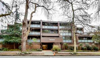 """Photo 1: 211 1855 NELSON Street in Vancouver: West End VW Condo for sale in """"West Park"""" (Vancouver West)  : MLS®# R2583355"""