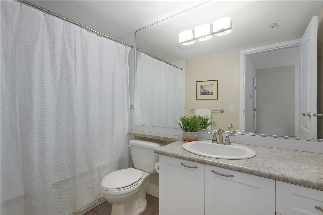"""Photo 12: Photos: 103 657 W 7TH Avenue in Vancouver: Fairview VW Townhouse for sale in """"THE IVYS"""" (Vancouver West)  : MLS®# R2348649"""