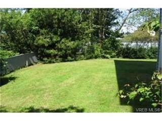 Photo 9:  in VICTORIA: SE Quadra Condo for sale (Saanich East)  : MLS®# 442034