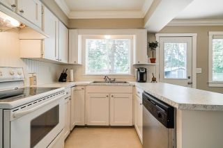 "Photo 4: 5901 ABERDEEN Street in Surrey: Cloverdale BC House for sale in ""Jersey Hills"" (Cloverdale)  : MLS®# R2383785"