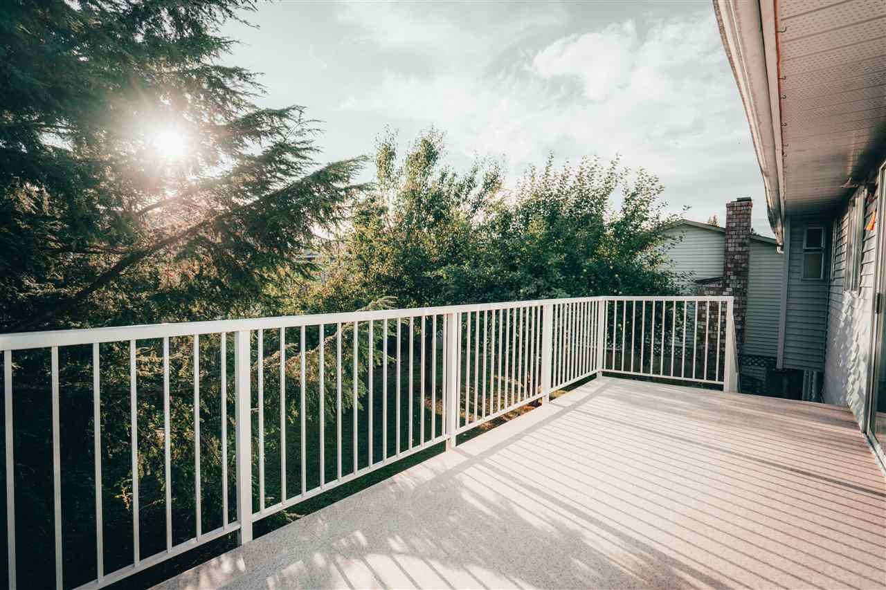 Photo 5: Photos: 3655 FIFE Place in Abbotsford: Central Abbotsford House for sale : MLS®# R2479390