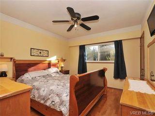 Photo 10: 820 Elrick Pl in VICTORIA: Es Rockheights House for sale (Esquimalt)  : MLS®# 688283