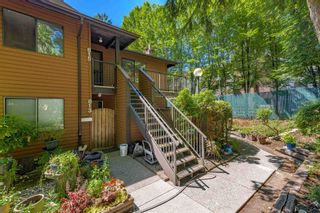 """Photo 2: 815 10620 150 Street in Surrey: Guildford Townhouse for sale in """"LINCOLN GATE"""" (North Surrey)  : MLS®# R2596025"""