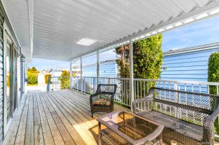 """Photo 24: 23 2303 CRANLEY Drive in Surrey: King George Corridor Manufactured Home for sale in """"Sunnyside Estates"""" (South Surrey White Rock)  : MLS®# R2550516"""