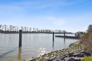 """Photo 19: 710 2733 CHANDLERY Place in Vancouver: South Marine Condo for sale in """"River Dance"""" (Vancouver East)  : MLS®# R2553020"""