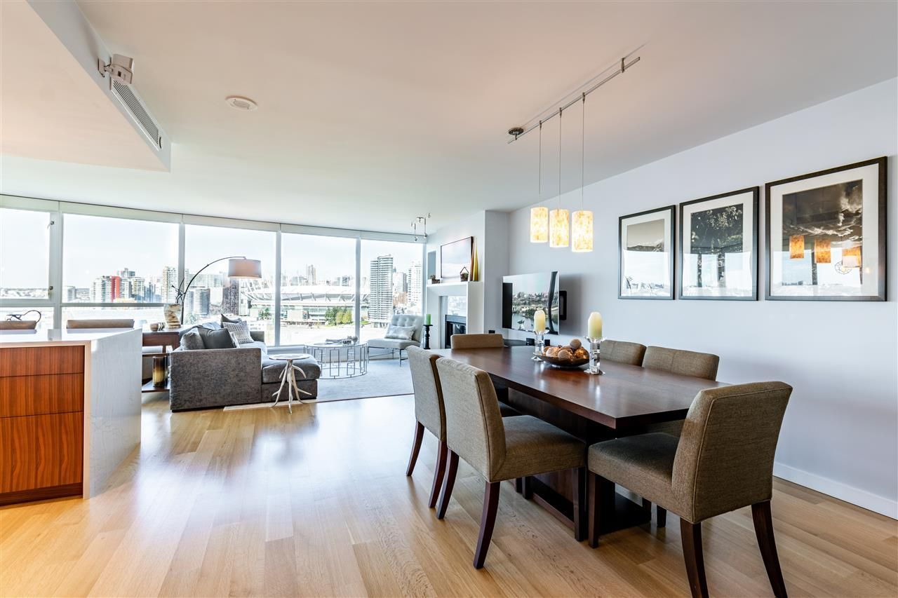 """Photo 15: Photos: 1605 120 MILROSS Avenue in Vancouver: Downtown VE Condo for sale in """"THE BRIGHTON BY BOSA"""" (Vancouver East)  : MLS®# R2568798"""