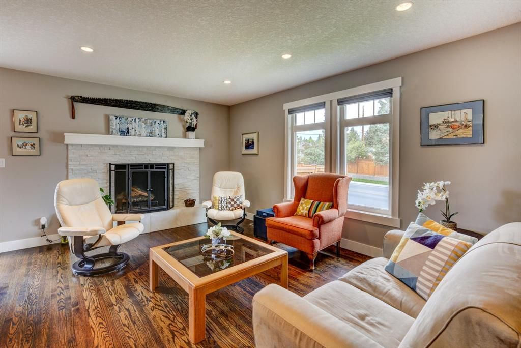 Main Photo: 4203 Dalhart Road NW in Calgary: Dalhousie Detached for sale : MLS®# A1143052