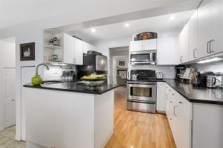 Photo 9: 8866 LARKFIELD DRIVE in Burnaby: Forest Hills BN Townhouse for sale (Burnaby North)  : MLS®# R2146317