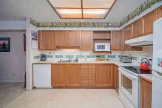"""Photo 12: 316 6735 STATION HILL Court in Burnaby: South Slope Condo for sale in """"COURTYARDS"""" (Burnaby South)  : MLS®# R2615271"""