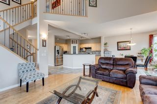 Photo 8: 250 Elmont Bay SW in Calgary: Springbank Hill Detached for sale : MLS®# A1119253