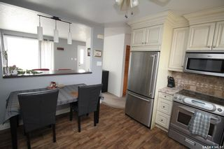 Photo 4: 813 Macklem Drive in Saskatoon: Massey Place Residential for sale : MLS®# SK870750